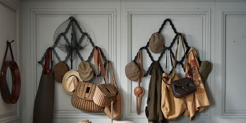 Brown, Room, Textile, Interior design, Interior design, Pillow, Linens, Cushion, Home accessories, Throw pillow,