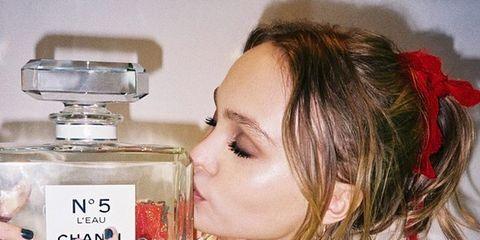 Fluid, Perfume, Eyelash, Liquid, Nail, Kitchen appliance, Drinkware, Small appliance, Blond, Bottle,