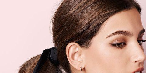 Ear, Lip, Hairstyle, Skin, Earrings, Eyebrow, Eyelash, Style, Jaw, Beauty,