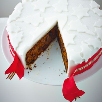 Lorraine Pascale's pecan and maple Christmas cake with port