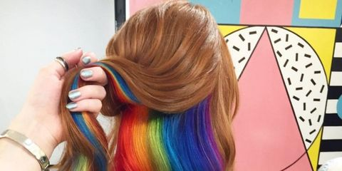 Hairstyle, Wrist, Style, Long hair, Colorfulness, Hair coloring, Blond, Brown hair, Artificial hair integrations, Violet,