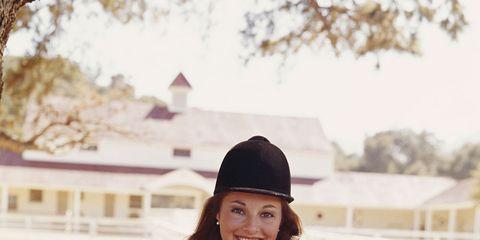 Sleeve, Hat, Coat, Headgear, Bottle, Travel, Bag, Street fashion, Sun hat, Fedora,