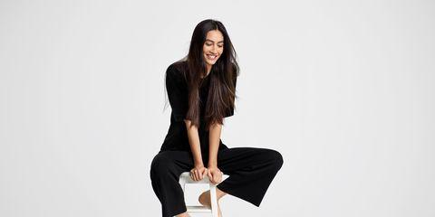 Shoulder, Human leg, Knee, Fashion, Fashion model, Model, Waist, Thigh, Flash photography, Photo shoot,