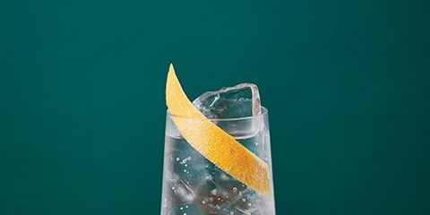 Highball glass, Drink, Glass, Distilled beverage, Liqueur, Gin and tonic, Ice cube, Fizz,