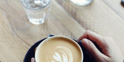 Cup, Serveware, Finger, Drinkware, Espresso, Caffè macchiato, Flat white, Single-origin coffee, Coffee, White coffee,