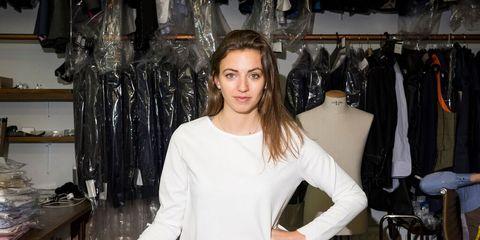 Sleeve, Shoulder, Room, Table, Clothes hanger, Fashion, Waist, Long hair, Chest, Shelf,