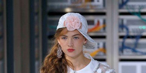 Sleeve, Textile, Style, Fashion model, Street fashion, Fashion accessory, Headgear, Fashion show, Beauty, Fashion,