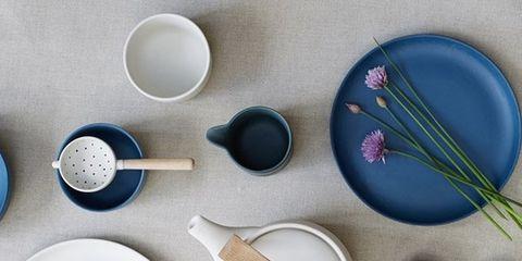 Dishware, Kitchen utensil, Cutlery, Lavender, Serveware, Paint, Circle, Brush, Porcelain, Chemical compound,