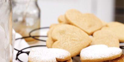 Food, Finger food, Cuisine, Ingredient, Baked goods, Dessert, Cookies and crackers, Snack, Biscuit, Recipe,