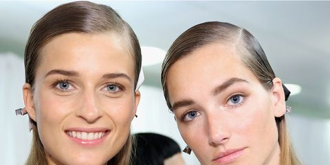 Hair, Face, Head, Ear, Lip, Hairstyle, Skin, Forehead, Shoulder, Earrings,
