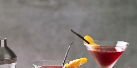Liquid, Drinkware, Drink, Fluid, Glass, Alcoholic beverage, Martini glass, Stemware, Tableware, Classic cocktail,