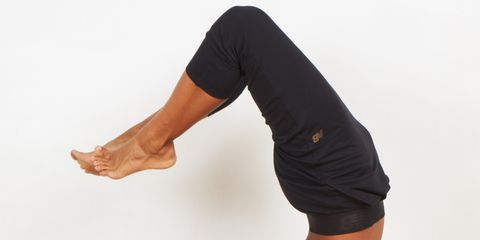 Arm, Human leg, Human body, Shoulder, Elbow, Wrist, Joint, Performing arts, Waist, Flooring,