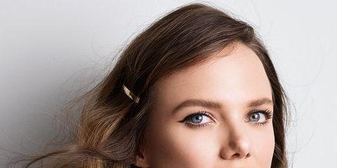 Lip, Hairstyle, Skin, Chin, Forehead, Eyebrow, Collar, Eyelash, Style, Jaw,