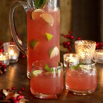 Golden wonderland gin cocktail