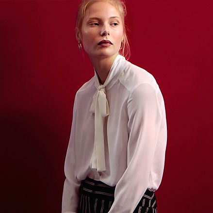 Lip, Dress shirt, Collar, Sleeve, Shoulder, Shirt, Textile, Formal wear, Fashion, Neck,