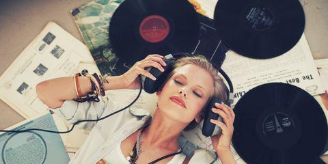 Audio equipment, Jewellery, Gramophone record, Organ, Fashion accessory, Cool, Wrist, Bracelet, Necklace, Circle,