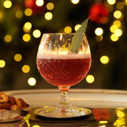 Drink, Alcoholic beverage, Stemware, Food, Wine glass, Cocktail, Non-alcoholic beverage, Glass, Distilled beverage, Wine cocktail,