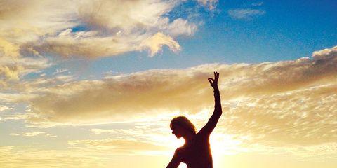 Human leg, Happy, People in nature, Sunlight, Sunset, Backlighting, Exercise, Sunrise, Knee, Morning,