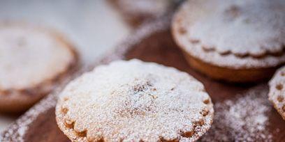 Finger food, Food, Cuisine, Sweetness, Ingredient, Biscuit, Dessert, Baked goods, Cookies and crackers, Cooking,