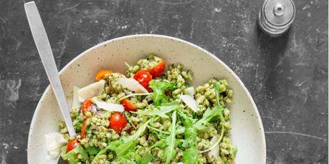 Food, Salad, Cuisine, Leaf vegetable, Ingredient, Vegetable, Garden salad, Dishware, Produce, Tableware,