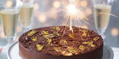 Food, Sweetness, Cake, Cuisine, Serveware, Dessert, Baked goods, Beer, Dishware, Ingredient,