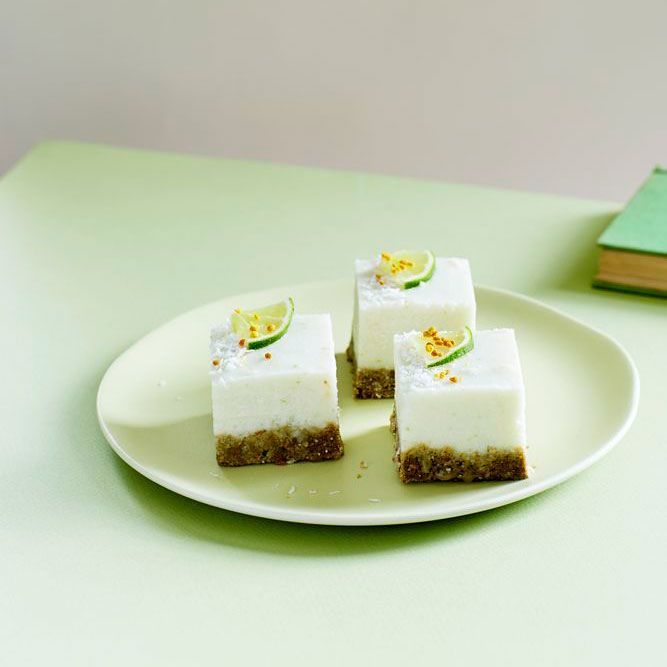 raw cake 100 beautiful nutritious and indulgent raw sweets treats and elixirs