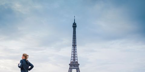 Clothing, Daytime, Sky, Trousers, Infrastructure, Cloud, Tower, Tourism, Urban area, Landmark,