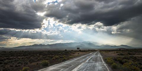 Road, Road surface, Cloud, Infrastructure, Asphalt, Landscape, Horizon, Plain, Thoroughfare, Lane,
