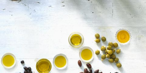 Yellow, Ingredient, Liquid, Produce, Oil, Chemical compound, Spice, Circle, Breakfast, Fruit,