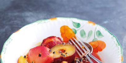 Food, Produce, Fruit, Natural foods, Peach, Dishware, Ingredient, Peach, Sweetness, Local food,