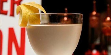 Glass, Drink, Drinkware, Ingredient, Stemware, Liquid, Food, Tableware, Alcoholic beverage, Barware,