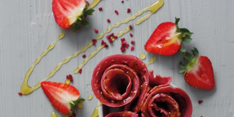 Petal, Red, Flower, Produce, Flowering plant, Botany, Carmine, Fruit, Coquelicot, Ingredient,