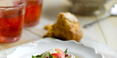 Cuisine, Food, Dishware, Serveware, Ingredient, Tableware, Salad, Finger food, Dish, Plate,