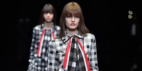 Pattern, Bangs, Style, Street fashion, Plaid, Fashion, Fashion show, Fashion model, Fashion design, Design,