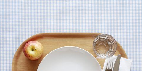 Dishware, Plate, Tableware, Placemat, Saucer, Serveware, Dinnerware set, Platter, Cutlery, Porcelain,