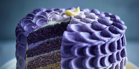 Food, Buttercream, Icing, Cake, Sugar paste, Dessert, Yellow, Cake decorating, Baked goods, Cuisine,