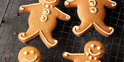 Finger food, Cookies and crackers, Food, Baked goods, Dessert, Biscuit, Gingerbread, Cookie, Bredele, Baking,