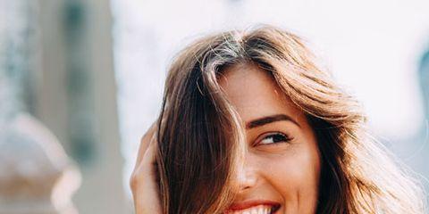Hair, Face, Facial expression, Lip, Skin, Beauty, Smile, Hairstyle, Chin, Long hair,