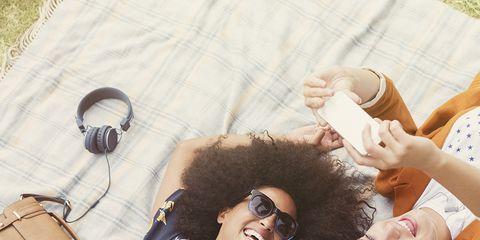 Beauty, Cool, Hairstyle, Fashion, Summer, Fun, Photo shoot, Human, Photography, Picnic,