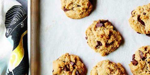 Dish, Food, Cuisine, Ingredient, Oatmeal-raisin cookies, Dessert, Cookie, Chocolate chip cookie, Snack, Cookies and crackers,