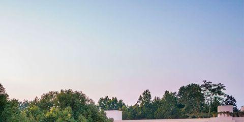 Window, Property, Real estate, Garden, Facade, House, Home, Residential area, Roof, Villa,
