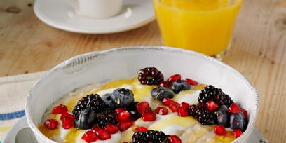 Serveware, Food, Dishware, Cuisine, Tableware, Ingredient, Fruit, Frutti di bosco, Breakfast, Produce,