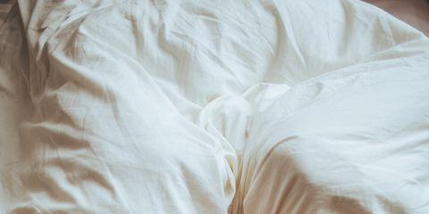 Hair, Human, Comfort, Hairstyle, Interaction, Linens, Sleep, Romance, Nap, Bedding,