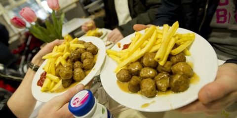 Food, Cuisine, Fried food, Dish, Tableware, Meal, French fries, Ingredient, Produce, Fast food,