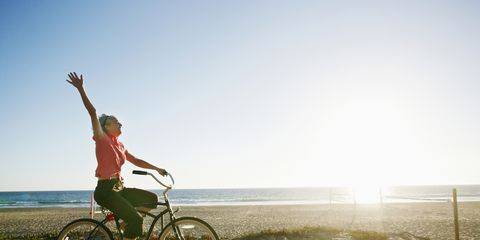 Bicycle, Cycling, Vehicle, Sky, Recreation, Cycle sport, Mode of transport, Sunlight, Summer, Bicycle handlebar,