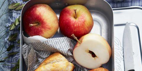 Food, Produce, Fruit, Apple, Plate, Vegan nutrition, Natural foods, Mcintosh, Cuisine, Tableware,