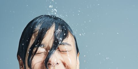 Face, Hair, Skin, Facial expression, Beauty, Water, Head, Bathing, Eyebrow, Smile,