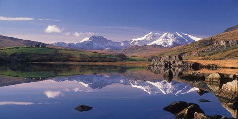 Tarn, Reflection, Body of water, Mountain, Mountainous landforms, Nature, Natural landscape, Lake, Highland, Lake district,