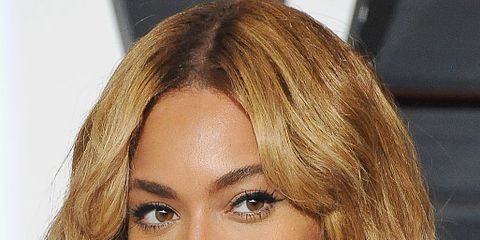 Hair, Face, Hairstyle, Blond, Eyebrow, Chin, Bob cut, Lip, Layered hair, Hair coloring,