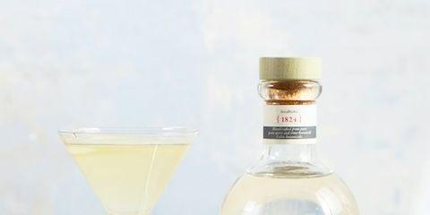Fluid, Liquid, Product, Glass, Drinkware, Bottle, Glass bottle, Drink, Alcoholic beverage, Bottle cap,